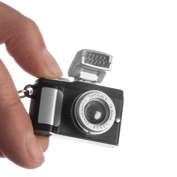 Μπρελόκ φωτογραφική μηχανή στο Vour c1e759e57be