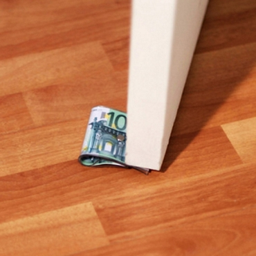 Stop πόρτας 100 ευρώ gadgets   fun