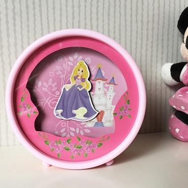 Μουσικό κουτί-κουμπαράς με πριγκίπισσα που χορεύει